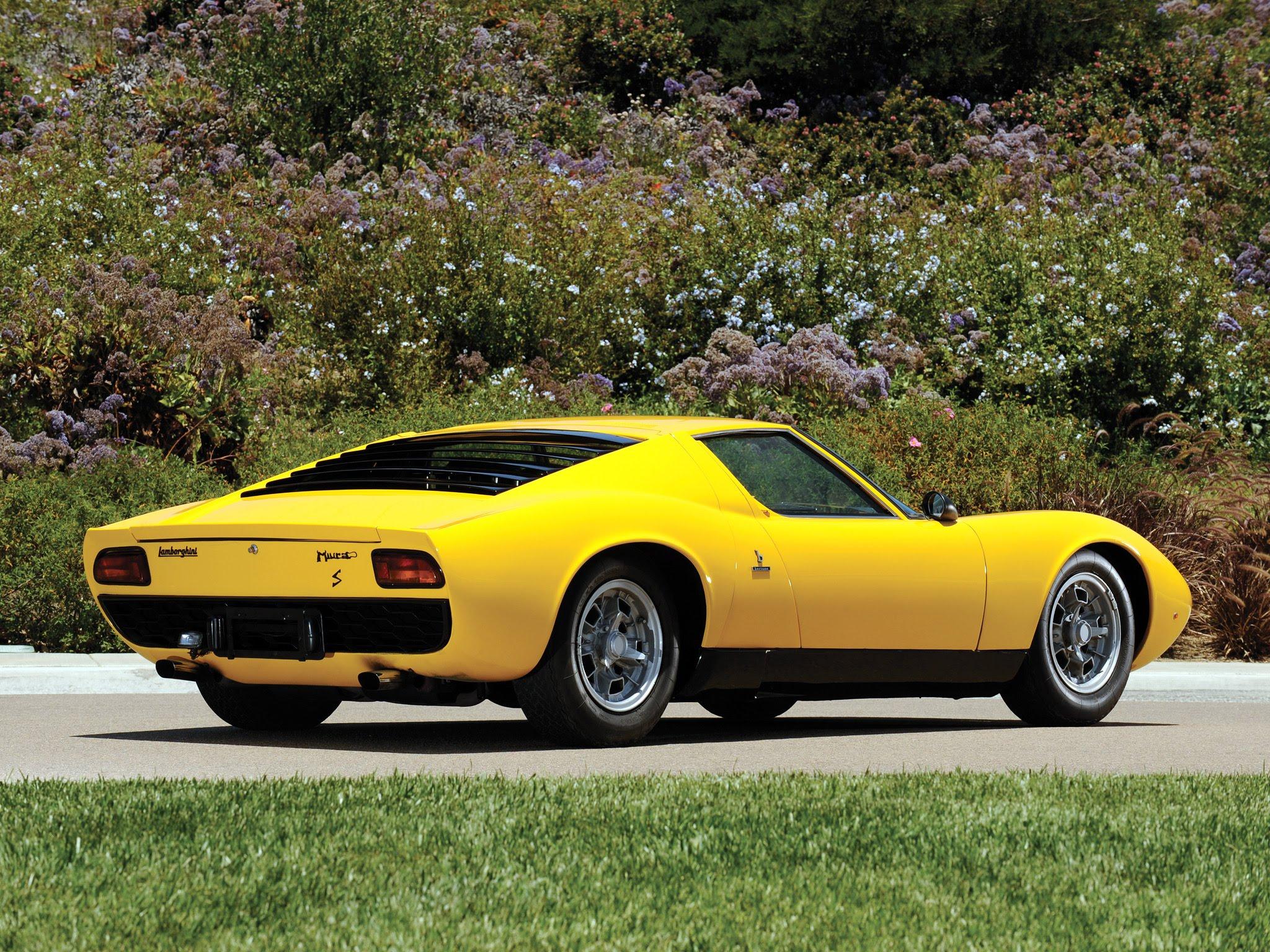 , «The sexiest car ever»? Lamborghini Miura